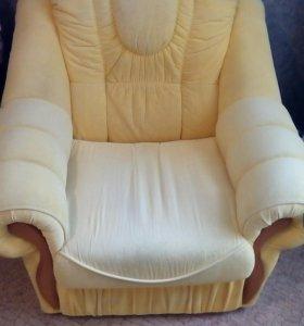 Угловой диван и кресло можно по отдельности