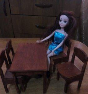 Стол и стулья кукольные