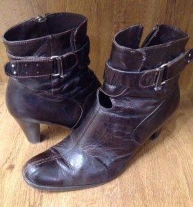 Ботинки кожаные женские осенние в хорошем состояни