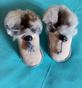 Новые теплые меховые уги,тапочки,обувь на малыша