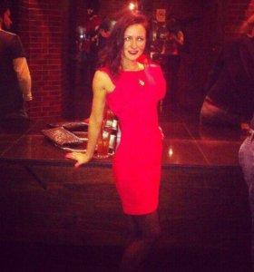 Красивое красное платье Zolla