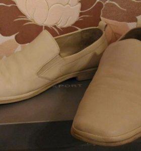 Мужские туфли из натуральной кожи.