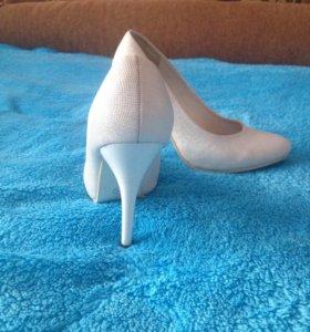 Белые туфли. Можно на свадьбу. Размер 36