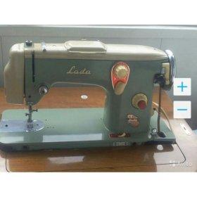 Швейная машинка Лада