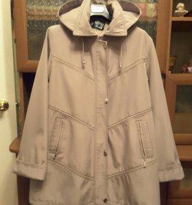 Куртка д/с, с удобным капюшоном.