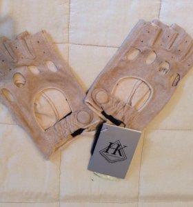 Стильные кожаные перчатки