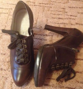 Ботинки кожзам, каблук устойчивый, в отличном сост