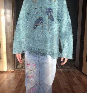 Модный свитер для девочки