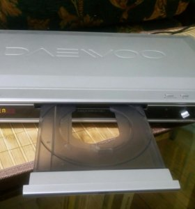 DVD-проигрыватель караоке Daewoo DV-710S