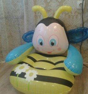 Кресло новое надувное детское пчёлка