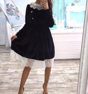 Платье велюр с кружевом