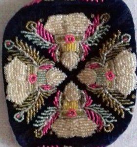 Тюбетейка с вышивкой ручной работы из бисера