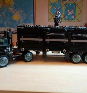 Конструктор LEGO Ultra Agents 70165 Штаб-квартира