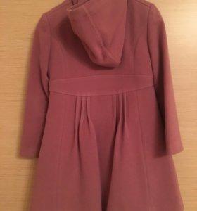 Пальто для девочки 5-6 лет