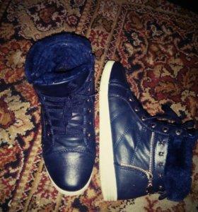 Утепленные кросовки