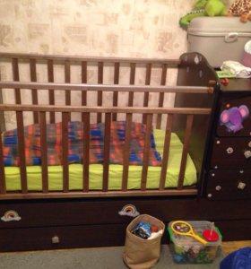 Кроватка детская с комодом , трансформер +матрац