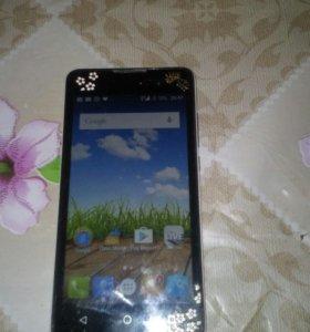 Телефон MicroMax Q334