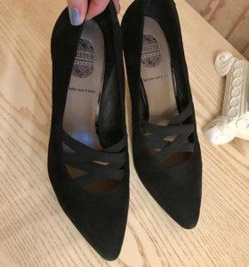 Туфли фирмы CHESTER