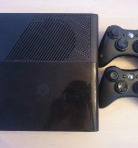 Xbox 360, 2 геймпада, 3 диска