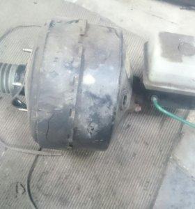 Вакуумный усилитель Renault Laguna 1