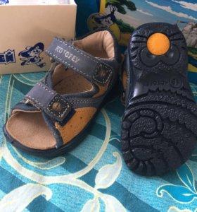 Туфли сандали новые