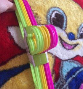 Вешалки для детской одежды 🌸