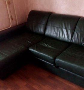 Срочно продаю!!!Кожаный диван