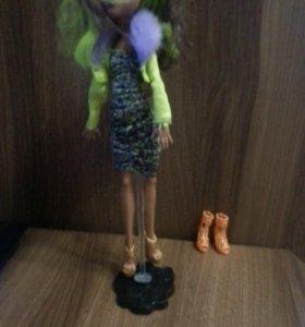 Куклы Monster Hight много