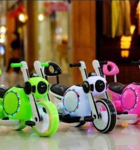 Велосипед. Машина на аккумуляторе.