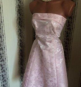 Нарядное платье 44
