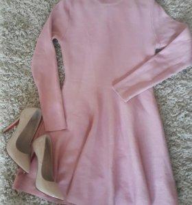 Платье , цвет пудра