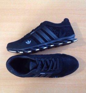 Adidas Feather Black .