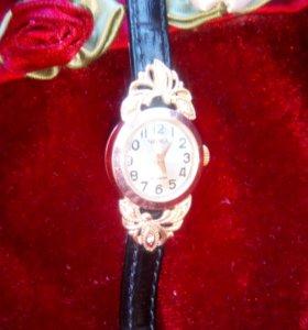 Часы золотые,585