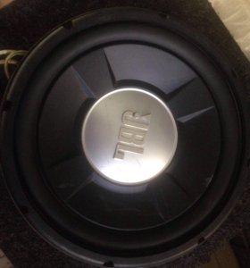 Сабвуфер JBL GTO 1202d