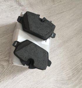 Задние тормозные колодки BMW e81/87