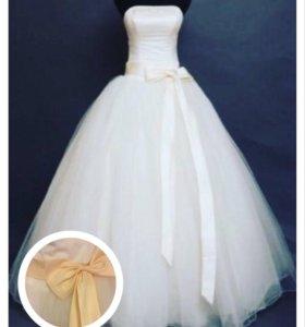 Продаю абсолютно новое свадебное платье размер 42