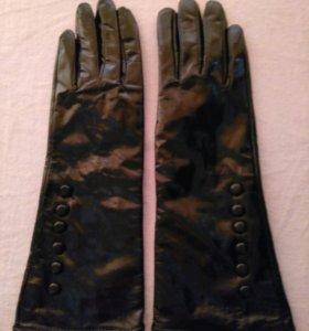 Лакерованые перчатки