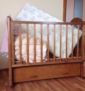 Кроватка + принадлежности