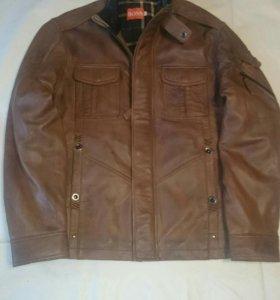 Куртка мужская кожаная Boss.