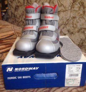Детские лыжные ботинки Nordway 37-38 размера.