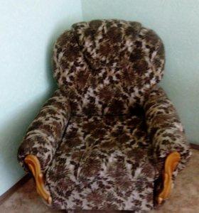 Диван и 2 кресла кровати