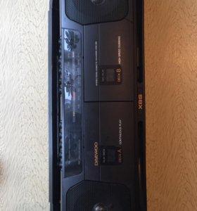 Магнитофон кассетный с радио