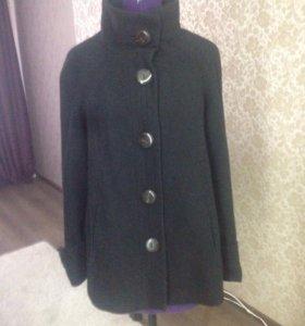 Пальто Zara в хорошем состояние