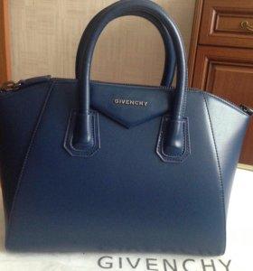 GIVENCHY сумка