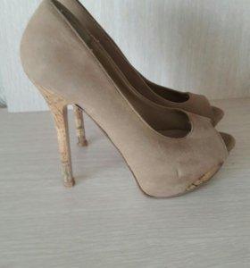 Туфли размер 37-37.5, состояние отличное