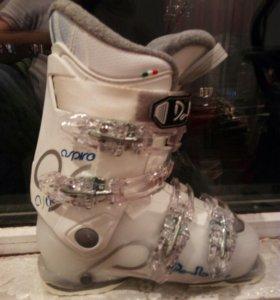 Ботинки для стройной девушки