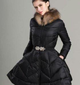Куртка утепленная (пуховик) с пышной юбкой