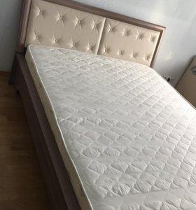 Продаётся Кровать и матрац