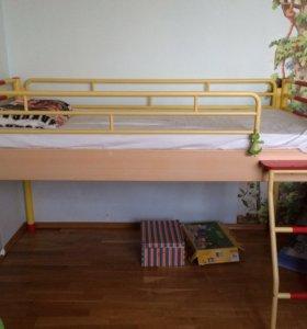 Детская мебель (комплект)