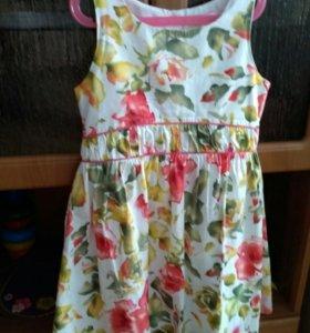 Платье для девочки 38 размер.